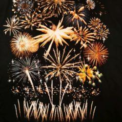 Feuerwerk T-Shirt Firework Display von Pyro Noveltis Vorderseite Detail -Merchandise & Feuerwerk einfach online kaufen im Pyrographics Feuerwerkshop