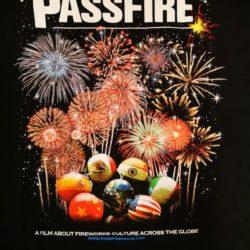 Feuerwerk T-Shirt Passfire Vorderseite Detail -Merchandise & Feuerwerk einfach online kaufen im Pyrographics Feuerwerkshop