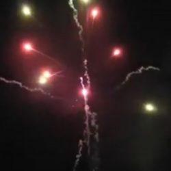 Effekt Color Crossette von Pyrotrade/PGE - Feuerwerk einfach online kaufen im Pyrographics Feuerwerkshop